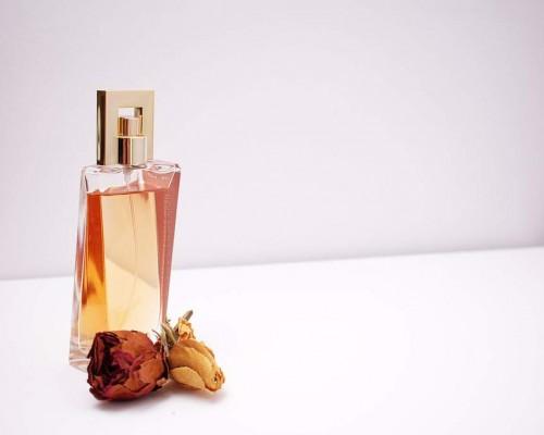 Top cele mai bune parfumuri femei 2020