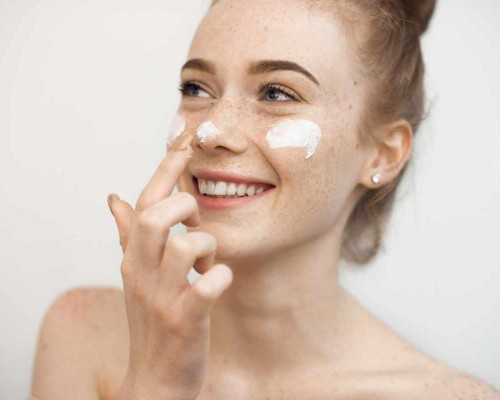 Sfaturi pentru ingrijirea pielii uscate de pe fata